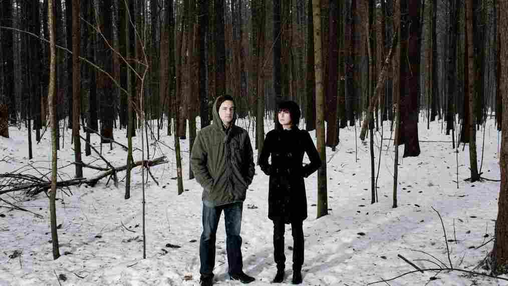 """Phantogram's """"Fall In Love"""" is featured on this week's edition of Metropolis."""