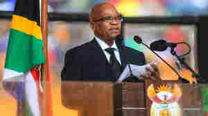 South Africans Cheer Mandela, Jeer President Jacob Zuma