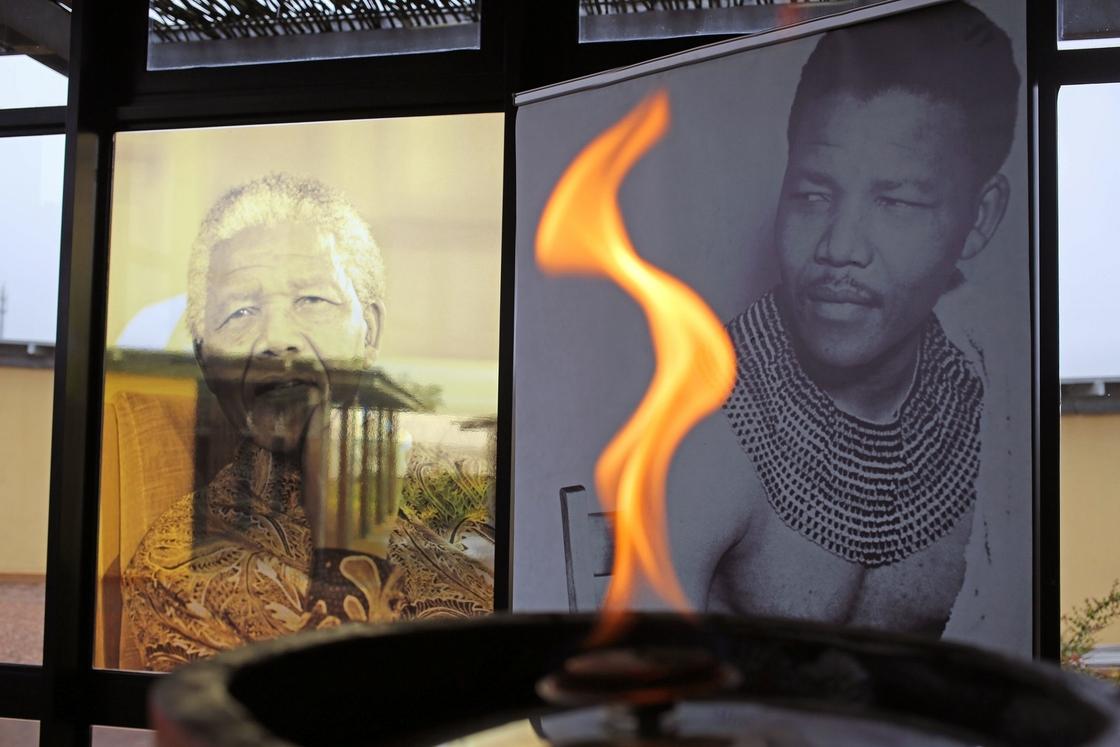 http://media.npr.org/assets/img/2013/12/13/QunuMuseum2_slide-de202496149bd8b673ff913652422cc8a5c91163-s40.jpg