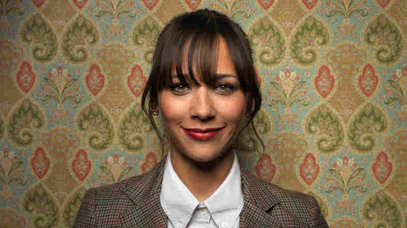 Actress Rashida Jones recently started a Twitter debate by calling out a number of female pop stars for their hyper-sexual performances.
