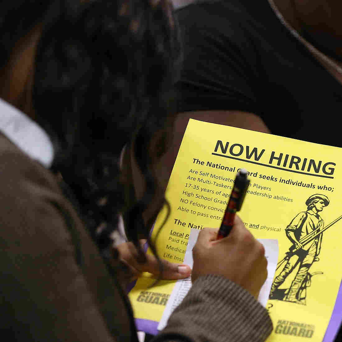Economists, Unemployed Fret Over Long-Term Jobless Aid Lapse