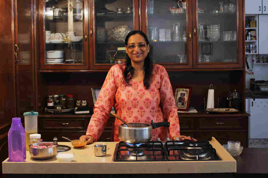 Neeta Khurana runs cooking classes out of her house in South Delhi for those wanting a hands-on experience. For 14 years, she has helped Indians and foreigners master the complexity of Indian gastronomy and much more from the comfort of her own kitchen.