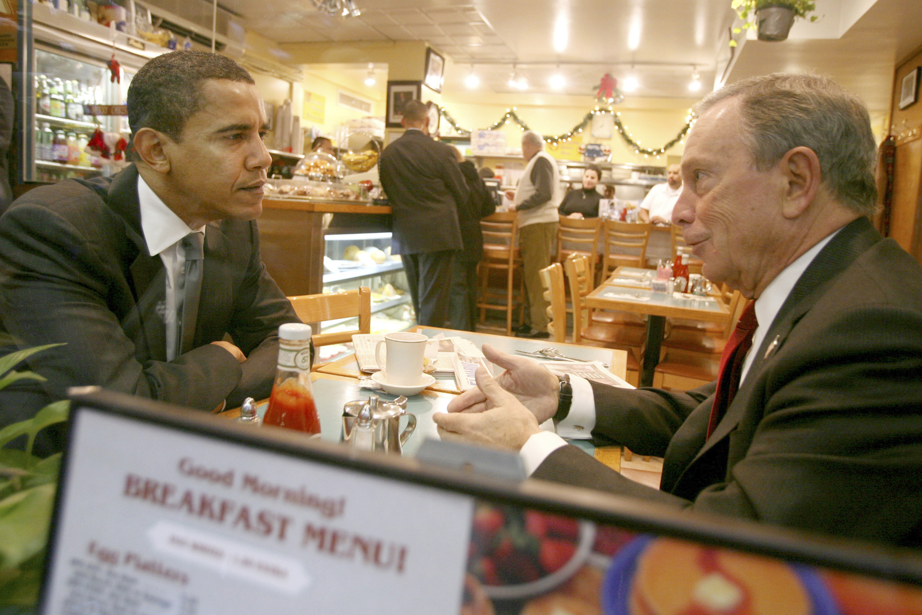 Bloomberg has breakfast with Barack Obama at a diner in New York City on Nov. 30, 2007, before Obama was elected president.