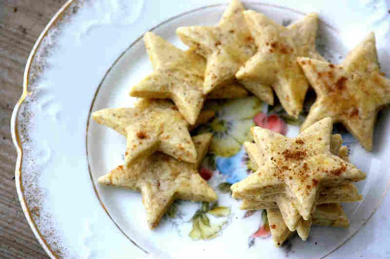 Alsatian Christmas Cinnamon Stars (Himmelgestirn)