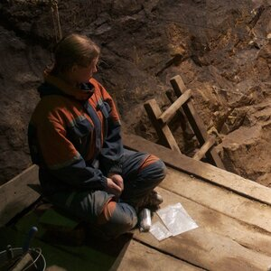 Mixing It Up 50,000 Years Ago — Who Slept With Whom?