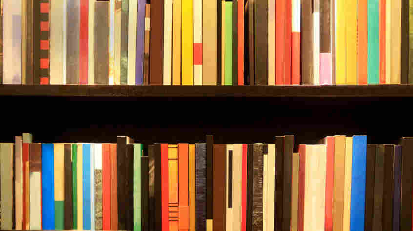 How to organize bookshelf
