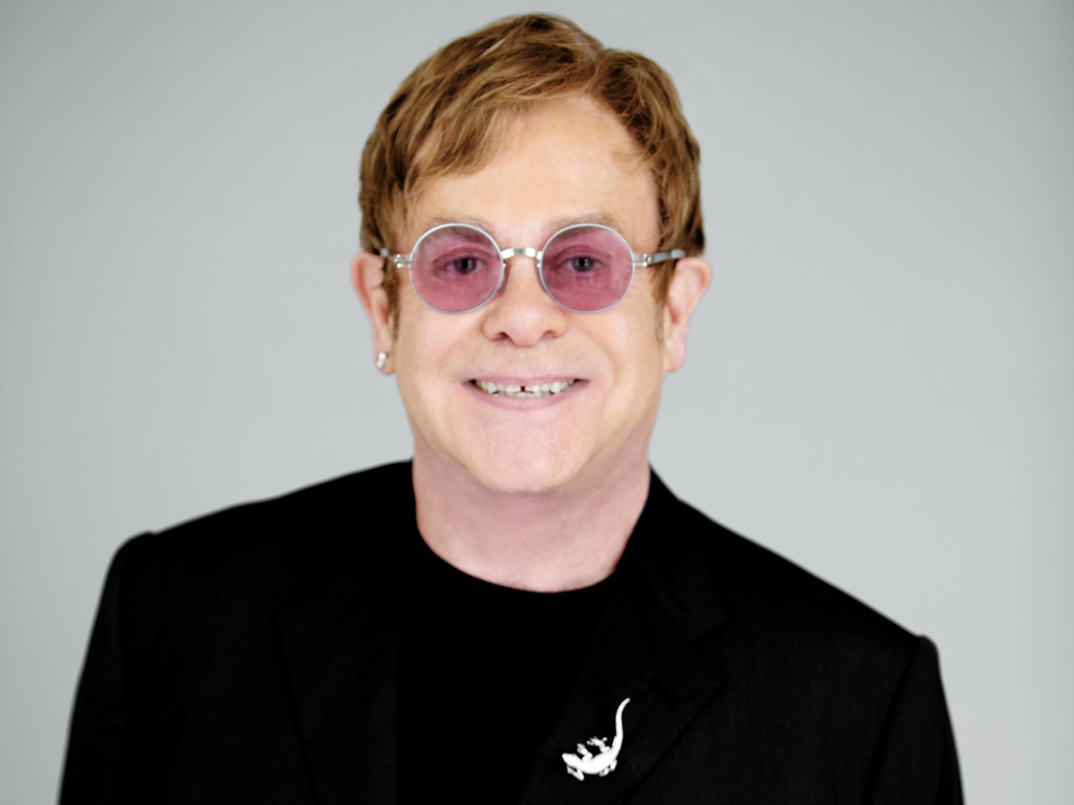 On Elton John s  Divin...
