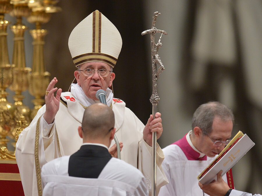 Pope Francis Preaches Message Of Love At Christmas Eve Mass : The ...