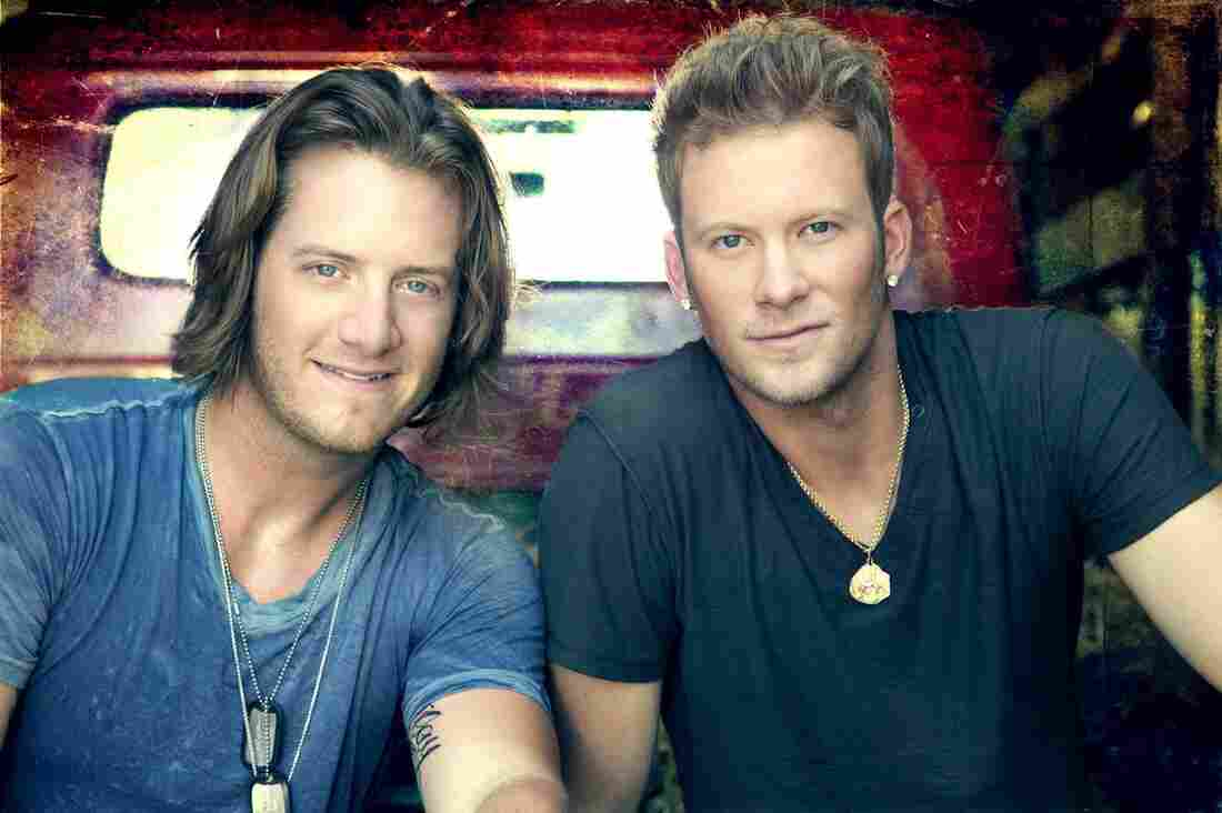 """Florida Georgia Line was unsigned when it recorded the year's biggest country song, """"Cruise."""""""
