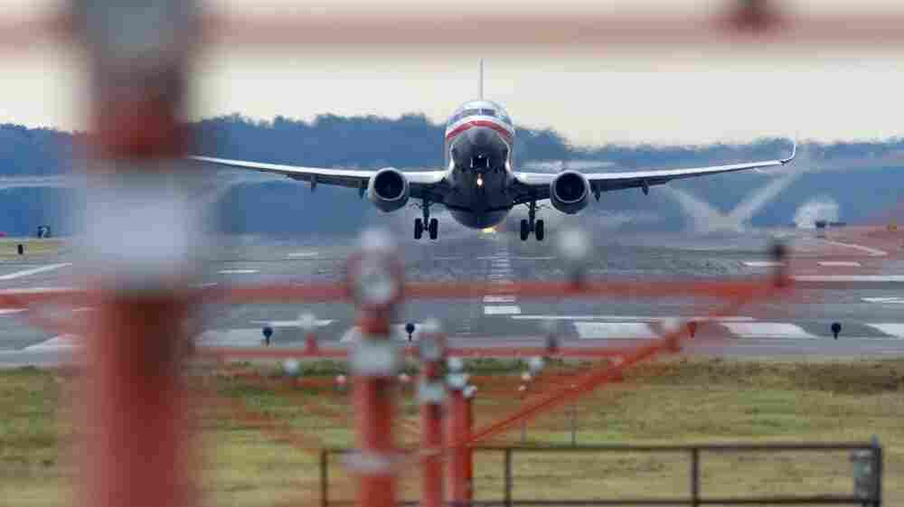 Boeing Soars Despite A Turbulent 2013
