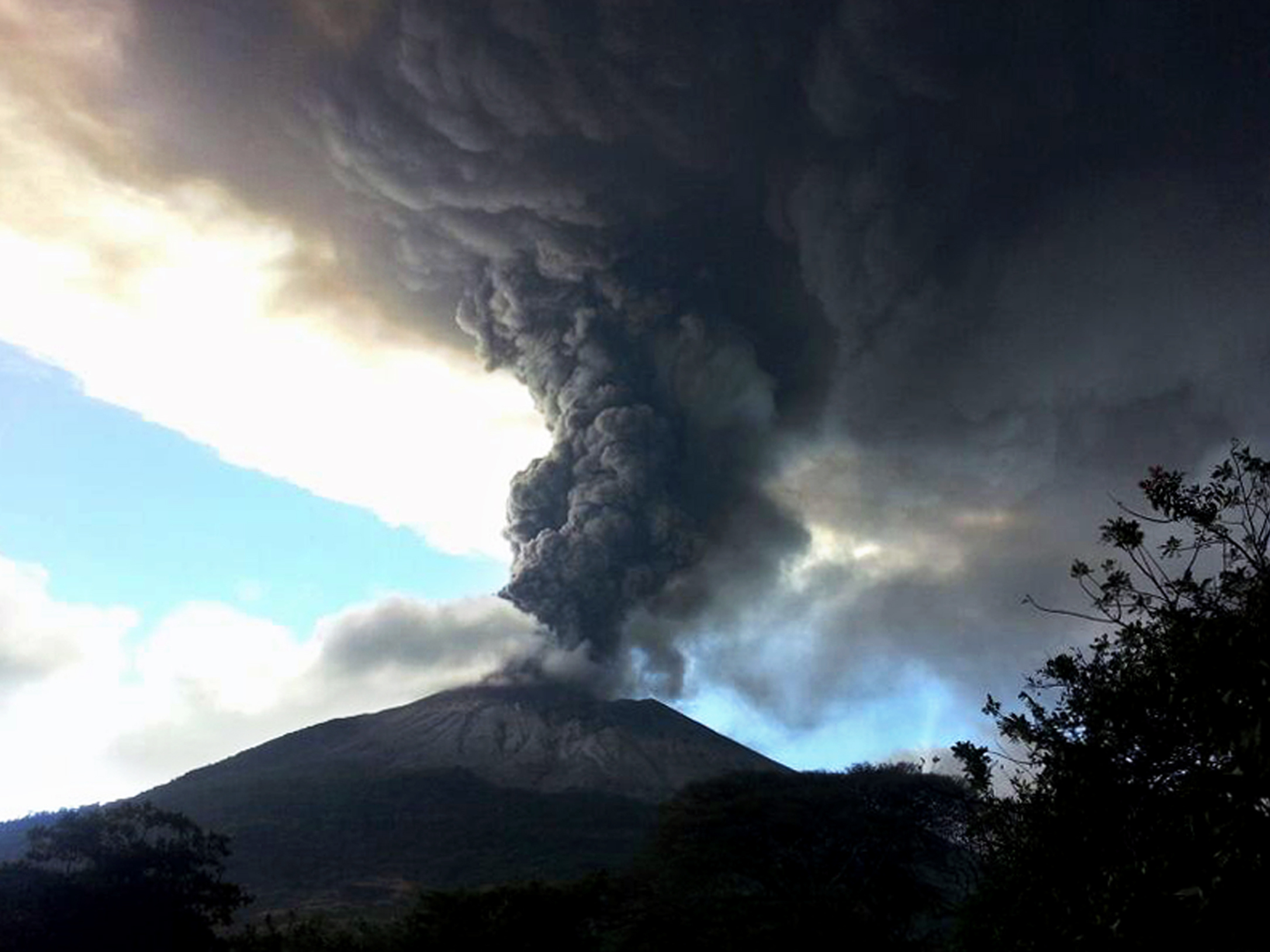 VIDEO: Volcano Erupts In El Salvador, Ash And Gas Soar