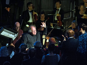 James Levine returned to the Met this year; he's seen here conducting Mozart's Così fan tutte Sept. 24.