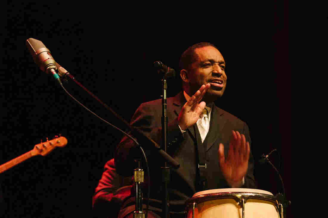 Donald Harrison leads his quintet in concert.