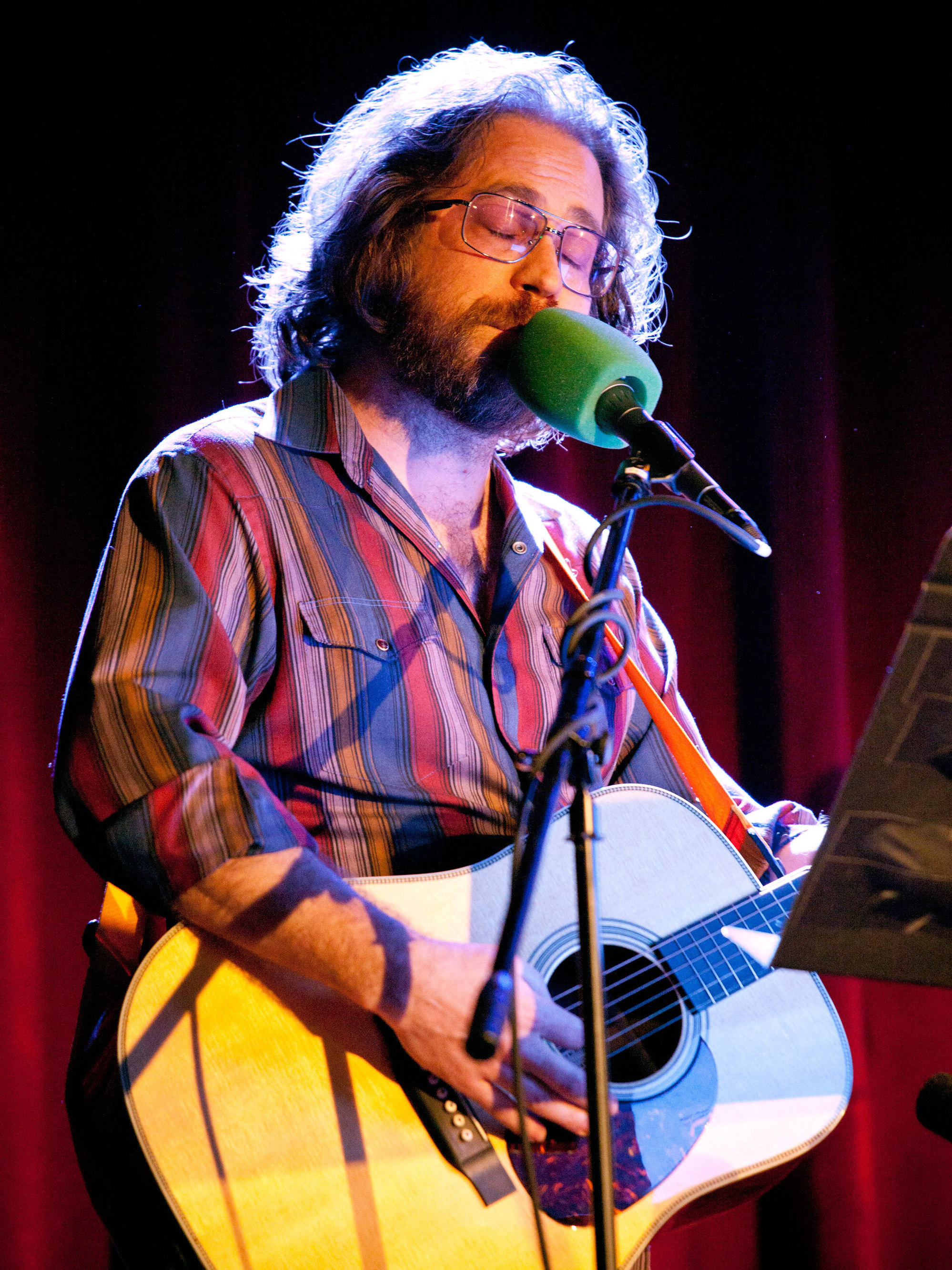 Jonathan Coulton, Ask Me Another's versatile house musician, has a song to play for any occasion.