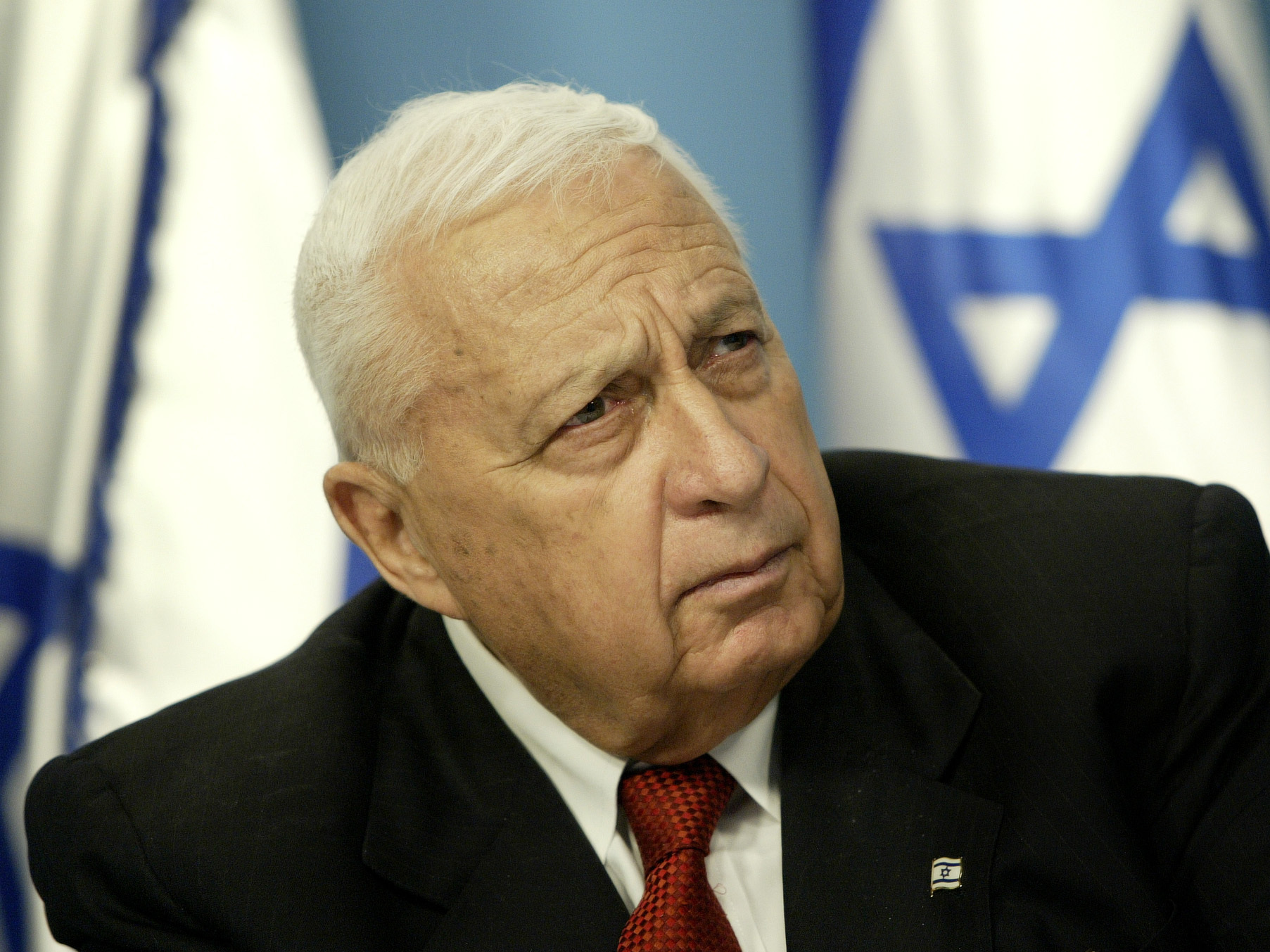 Israel's Sharon Fights For Life, But Doctors 'Pessimistic'