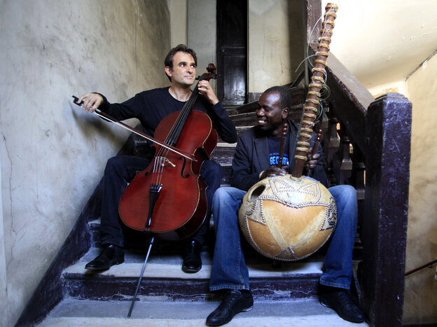 Vincent Segal (left) and Ballake Sissoko.