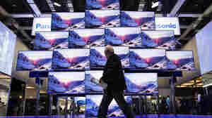 """Hollywood studios are wary of """"ultra HD"""" or 4K TV making people more picky about what they watch in cinemas. But first, the TVs have to become mainstream."""