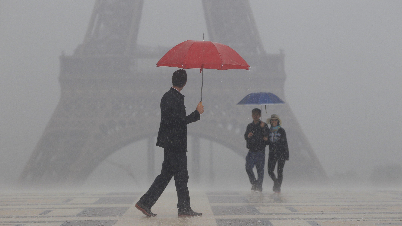 no rain on his parade parisian preserves art of umbrella repair ncpr news. Black Bedroom Furniture Sets. Home Design Ideas