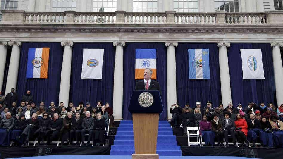 wabash coffee party   new york city or bill de blasio speaks after being sworn in during the public inauguration