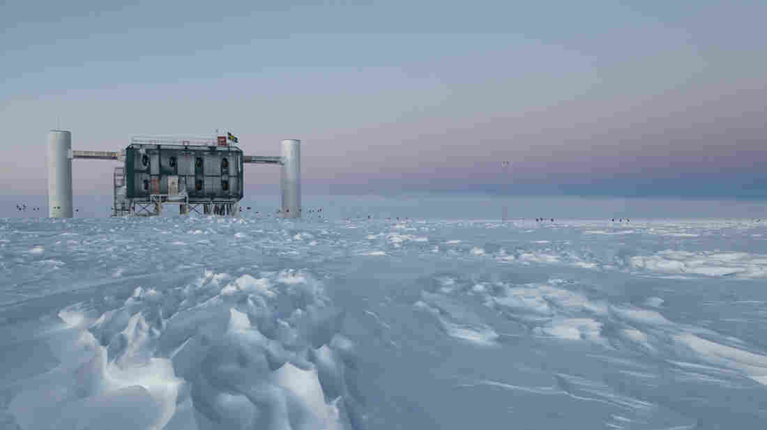 The IceCube observatory at the South Pole looks for neutrinos from the most violent astrophysical sources, like exploding stars.