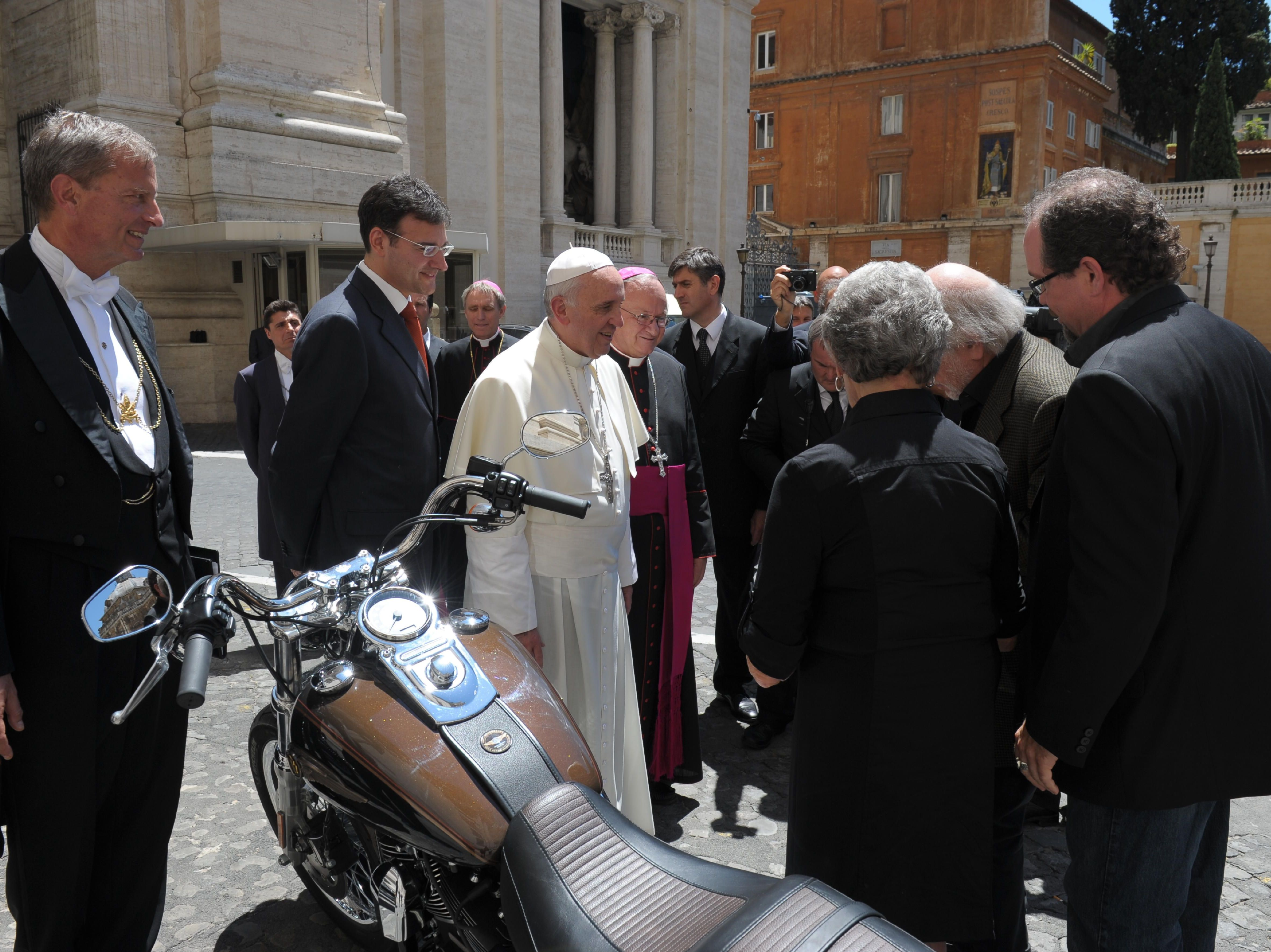 Pope's Harley Goes Up For Auction To Help Rome Soup Kitchen