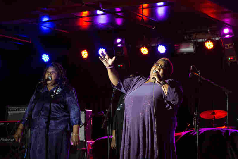 Gospel trio Como Mamas hail from the Mississippi Delta.