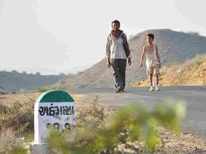 The Good Road features several intertwined stories centering on the titular road, a rural highway in the northwestern state of Gujarat.