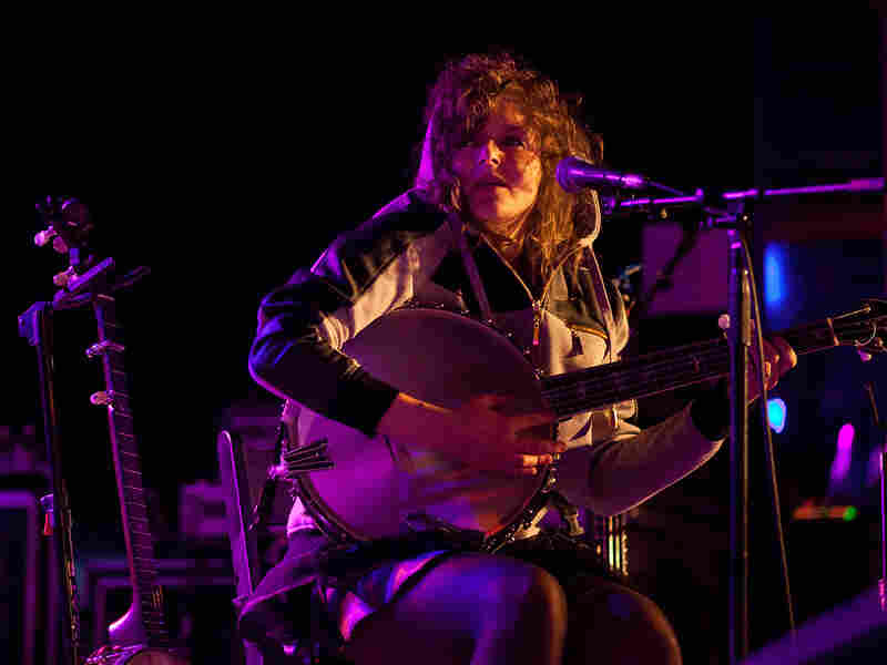 The Wu-Force banjo player Abigail Washburn