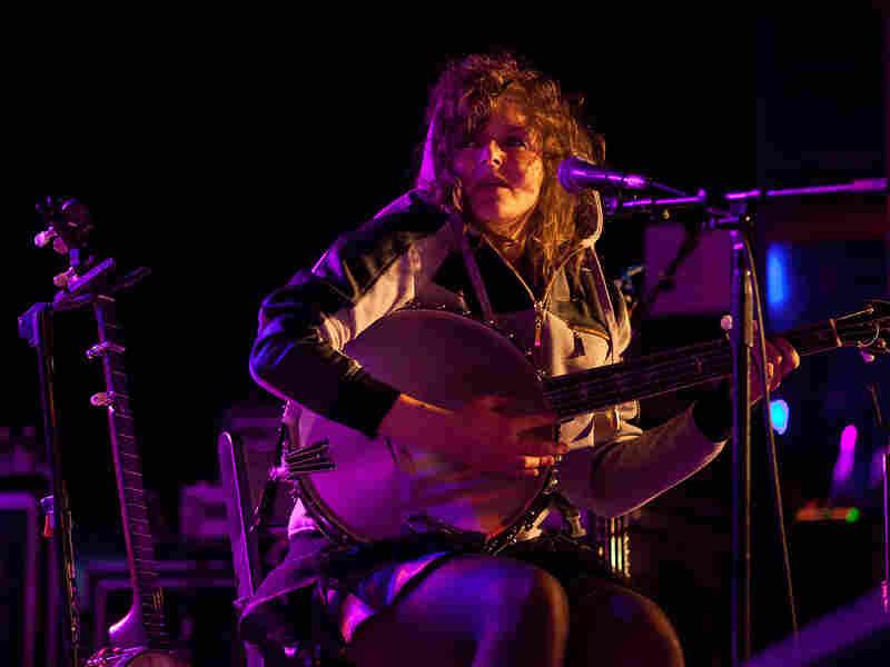 The Wu-Force banjo player Abigail Washburn