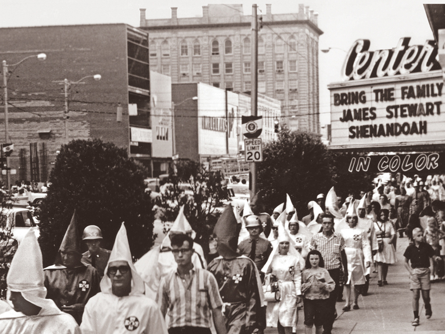the rise of the kkk The kkk took up the same beliefs with great enthusiasm in the late 19th and early 20th centuries hilter's version was centered on his hatred for jews, but he and the kkk, which was also anti-semitic, could easily have made common cause.