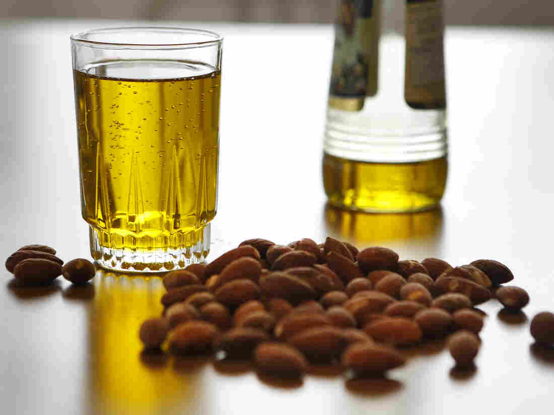 A study found that a Mediterranean diet with extra nuts and olive oil was associated with a lower risk of a cardiovascular condition called peripheral artery disease.