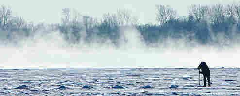 Icefishing.