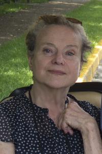 Diane Johnson's previous books include Le Divorce, Le Mariage, and L'Affaire.