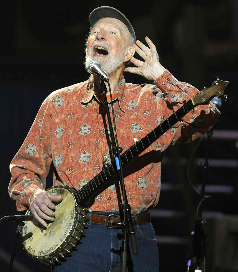 Pete Seeger performs during a concert marking his 90th birthday at Madison Square Garden in New York on May 3, 2009.