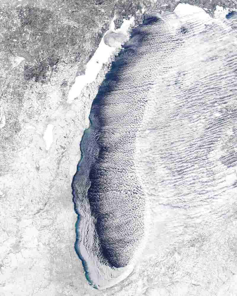 Lake Michigan Has Completely Frozen Over Amid Dangerous ...