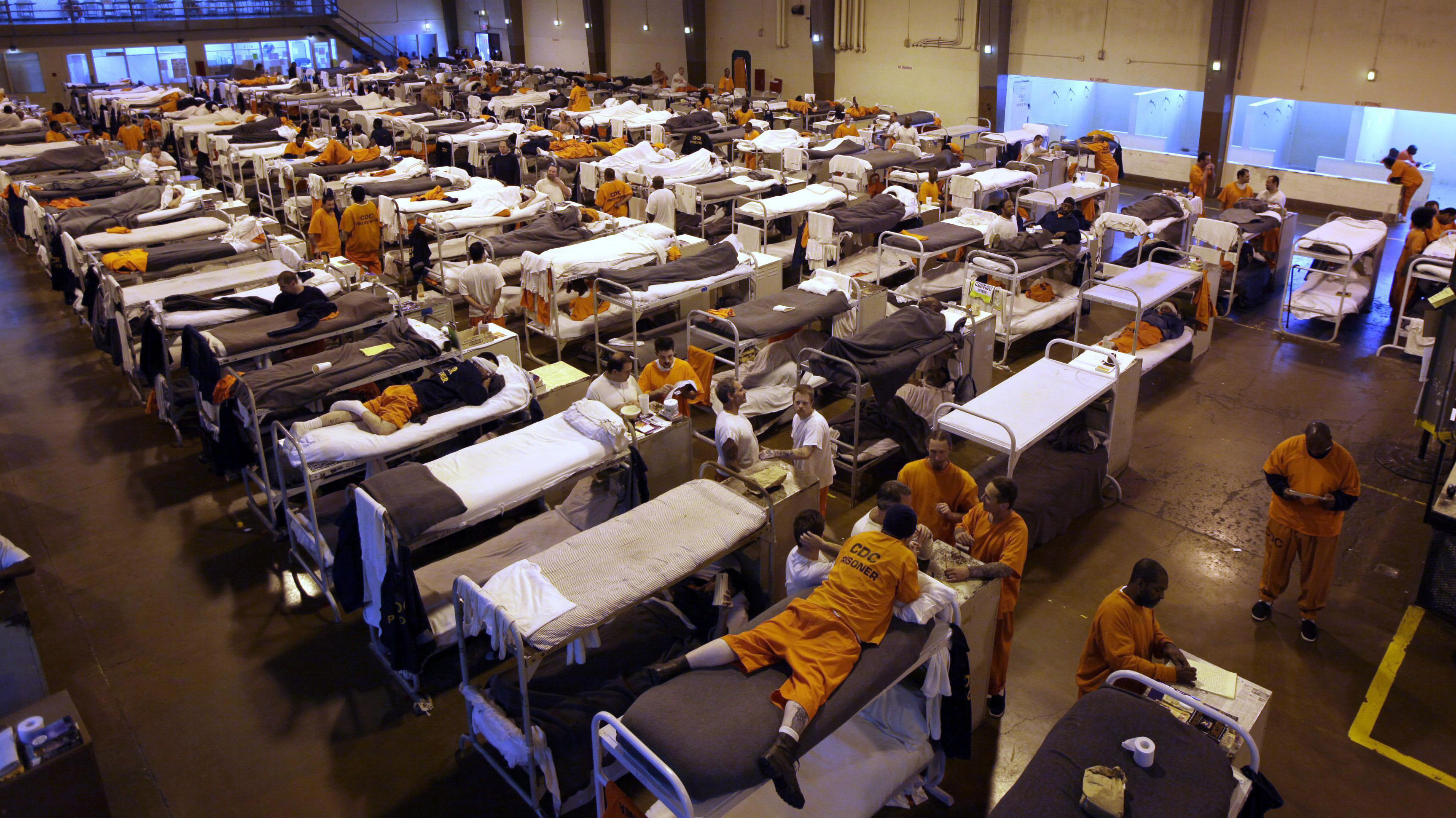 As States Close Prisons And Cut Crime, Feds Lag Behind