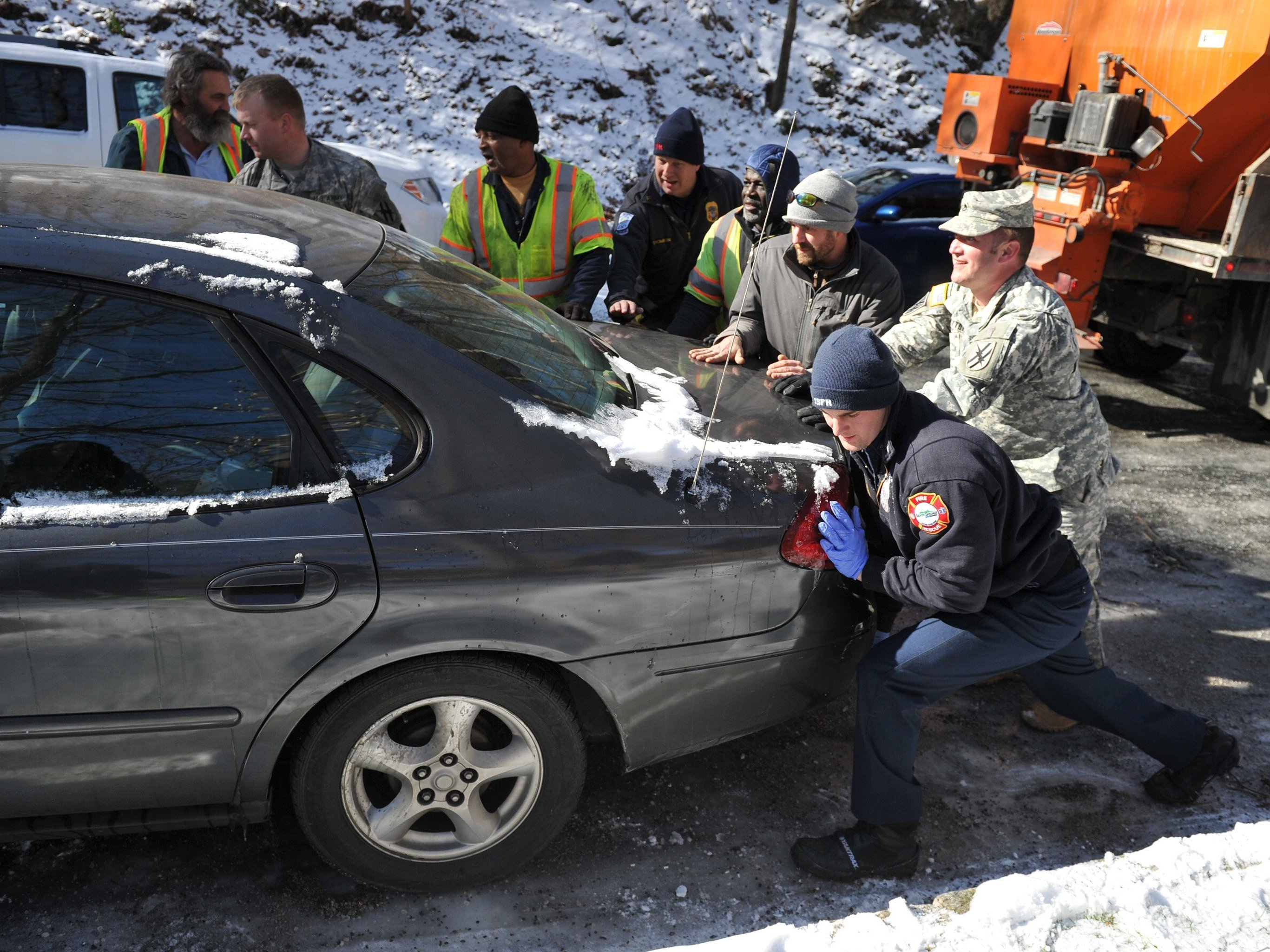 Last Cars Towed In Atlanta; Ice Is Gone, Traffic Is Moving