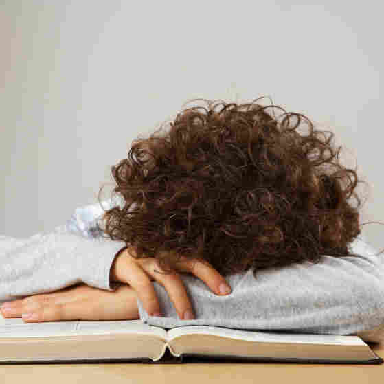 Less Sleep, More Time Online Raise Risk For Teen Depression