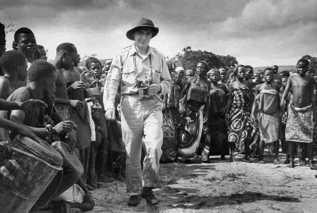 Eliot Elisofon in Yaka village, Congo, in 1951.