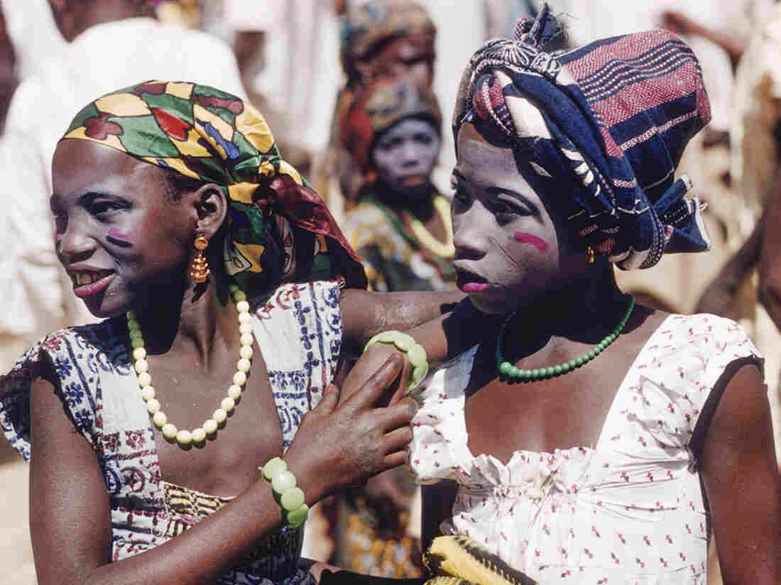Hausa girls, at Zaranda market in 1959, East of Jos, Nigeria.