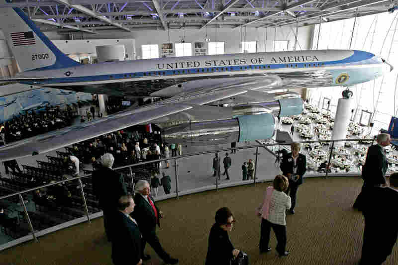 A retired Air Force One plane was the guest of honor at a ceremony in the Ronald Reagan Presidential Foundation and Library in Simi Valley, Calif., in 2005.
