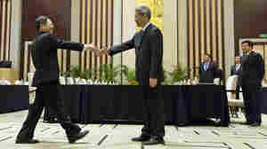 China, Taiwan Hold First Direct Talks Since 1949
