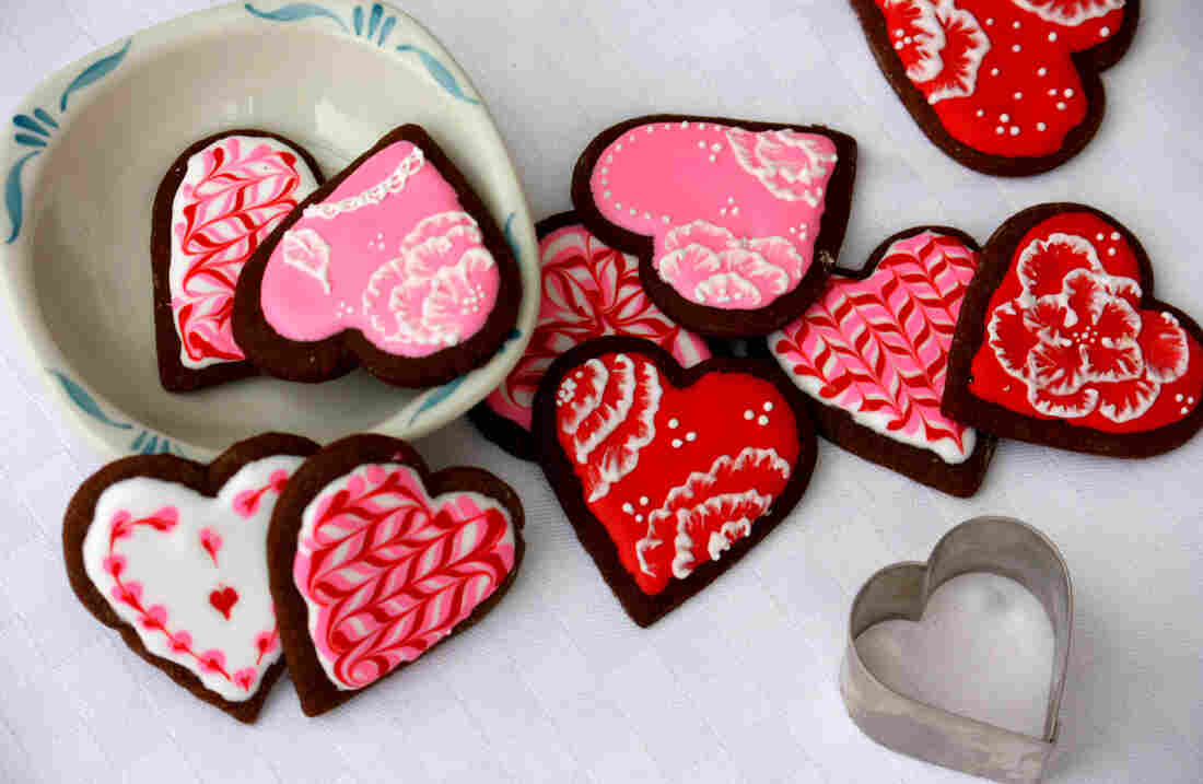 An assortment of iced gingerbread cookies for Valentine's Day