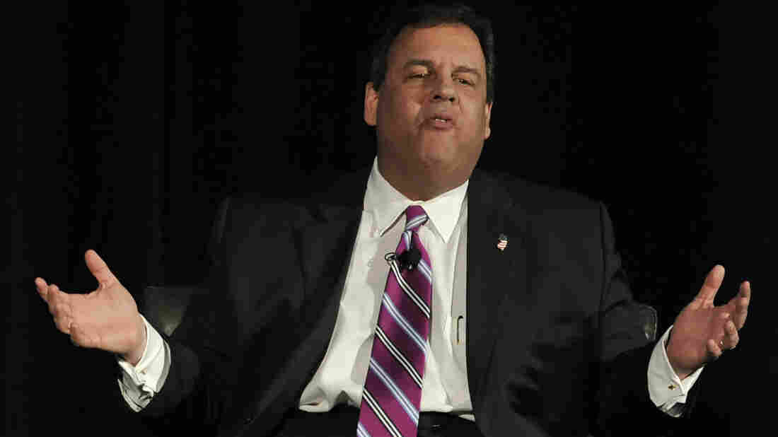 New Jersey Gov. Chris Christie speaks to the Economic Club of Chicago on Tuesday. Christie was in town to raise money for the Republican Governors Association.