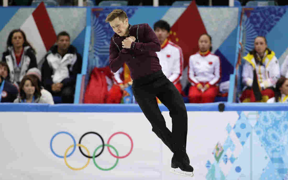 Jeremy Abbott suffered a brutal fall during his short program Thursday.