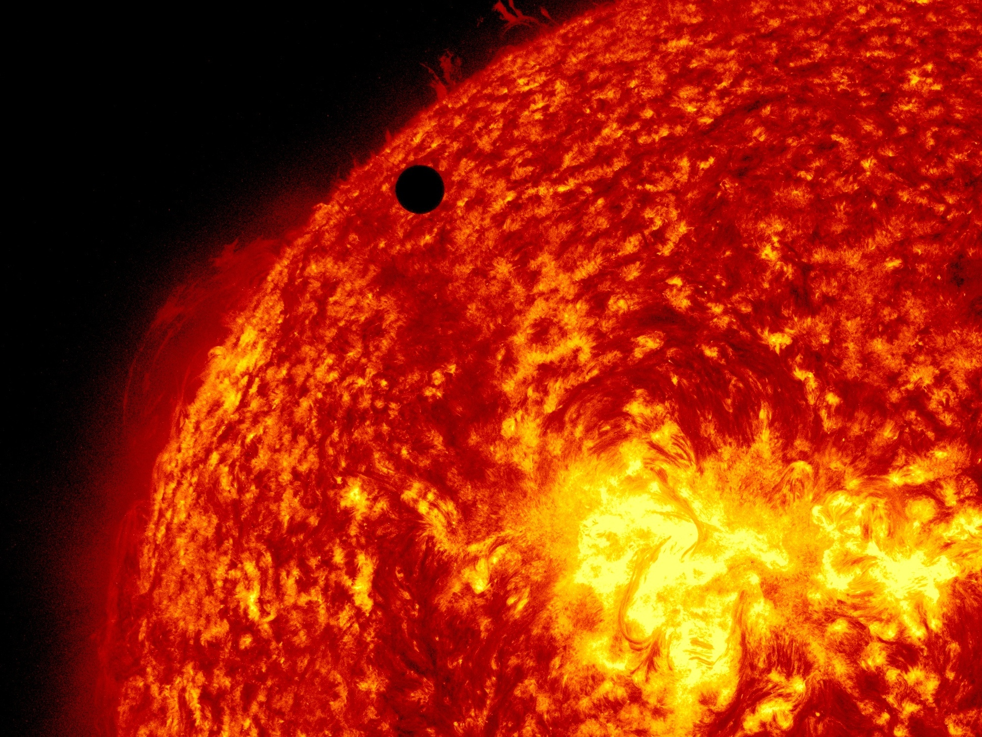 1 In 4 Americans Thinks The Sun Goes Around The Earth, Survey Says