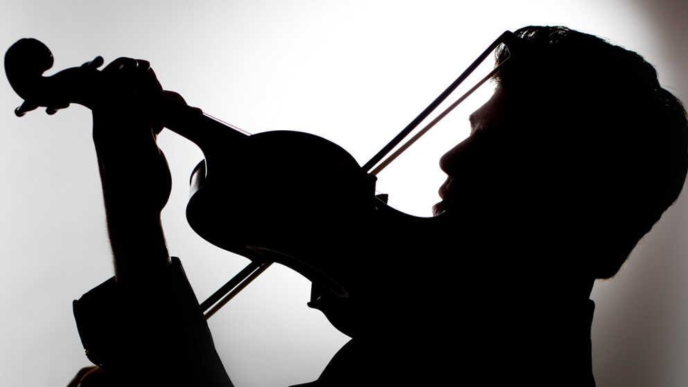 Review: Augustin Hadelich, 'Sibelius, Adès: Violin Concertos'