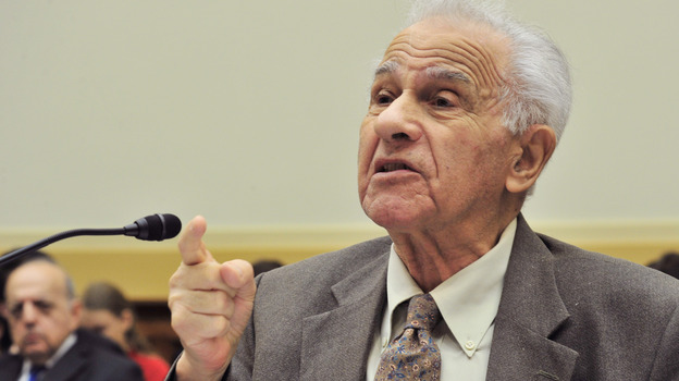 Holocaust survivor Leo Bretholz's Change.org petition has more than 107,000 signatures. (AFP/Getty Images)