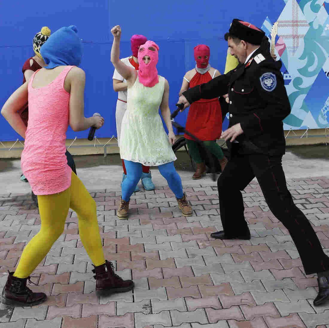 VIDEO: Pussy Riot Defies Ban On Sochi Protests, Skewers Putin