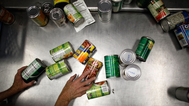 Should you fear a chemical inside metal food containers like the ones that hold beans? Government scientists say no. (Getty Images)